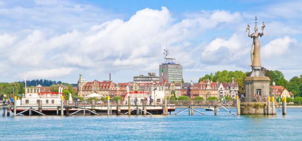 Blick auf den Bodensee und die Stadt Konstanz